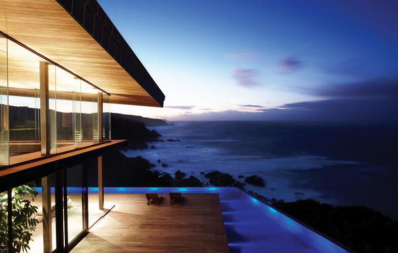 Дом на берегу океана