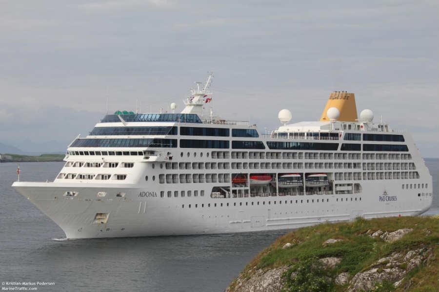 Круизный лайнер Adonia (7)