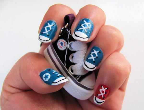 Дизайн ногтей мультяшки
